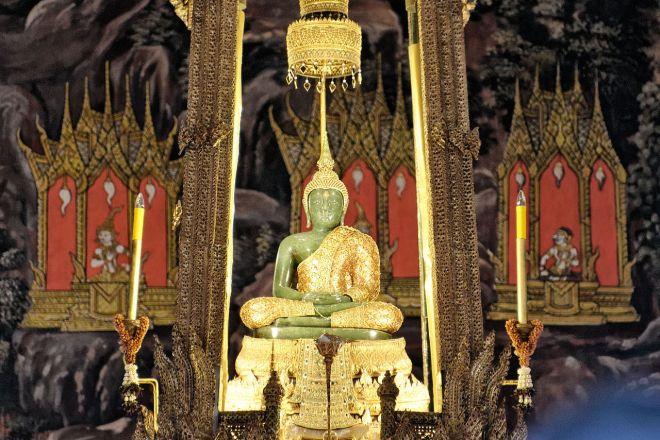 Emerald Buddha BKK