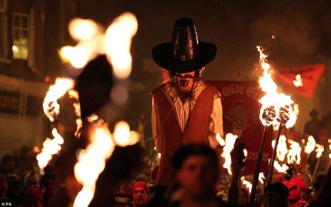 bonfirenight1