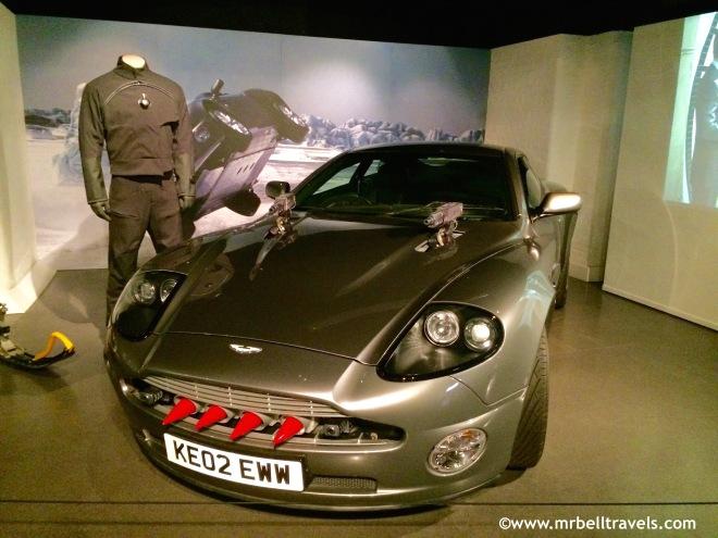 Aston Martin V12 Vanquish Die Another Day 2002